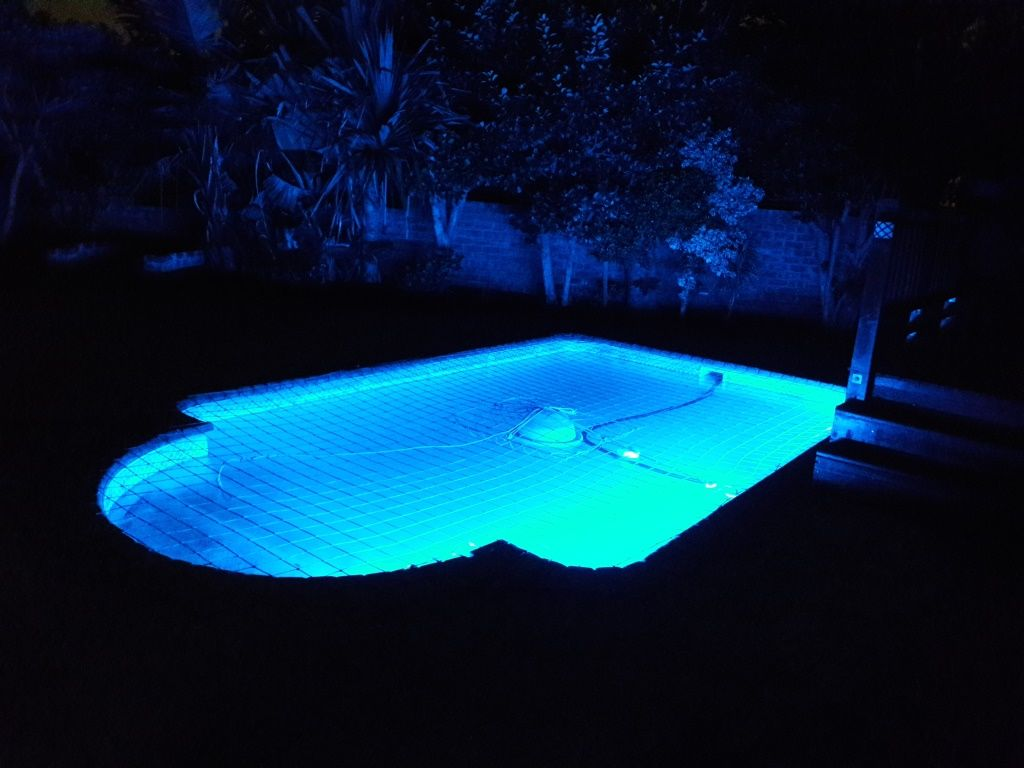 Led pool light installations - Led swimming pool lights suppliers ...